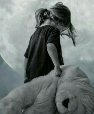 La Soledadun Día Me Abrazo Tanto La Soledad Que Tome Cariño Llore Como Un Niño Recién Nacido Y Le Brainly Lat